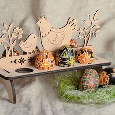 Support pour huit œufs à décorer fait main de contreplaqué décoration originale