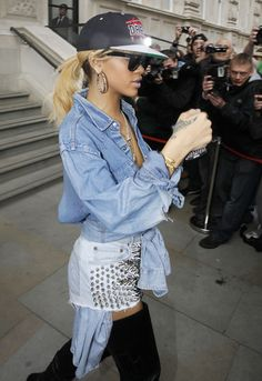Rihanna is just a bad bitch. Love how she mixes up her style.