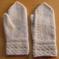 Knitting  -  Tvåändsstickade vita tumvantar