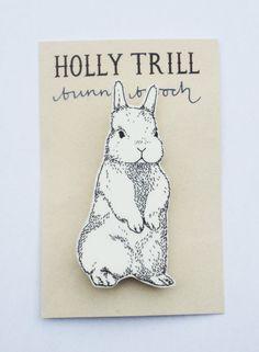 bunny brooch ++ holly trill
