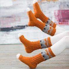 Pakke med oppskrift og garn til ett par sokker med revemønster.