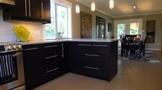 A kitchen built to last in GNOSJO black-brown.