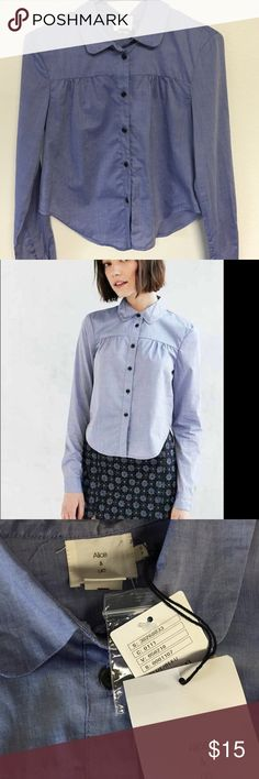 Alice & UO Blue Ferielle Button Down Shirt Cute button down shirt with collars. Definitely gives me Kendall Jenner vibes. It's a jean blue color and is very well fitting. Size S. Comes with extra buttons and the tags still on! Urban Outfitters Tops Button Down Shirts