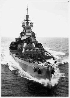 King George-V class Battleship: HMS Howe! 8.15