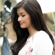 Liza Most Beautiful Faces, Beautiful Celebrities, Simply Beautiful, Beautiful Women, Lisa Soberano, Filipina Actress, Cute Beauty, Gorgeous Makeup, Fall Hair