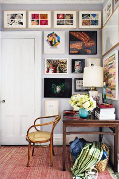 corner wall gallery #decor #paredes #walls #quadros