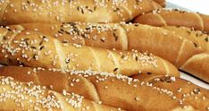 Hot Dog Buns, Hot Dogs, Bread, Pizza, Food, Easter Activities, Brot, Essen, Baking