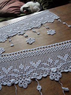 voilage d'autrefois fleurs au crochet d'art 68 cm de large blanc