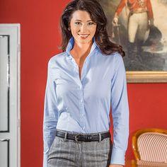Bluse mit hohem Steg Bleu, 100 % Baumwolle. Ob klassisch zum Kostüm/Hosenanzug oder sportiv zur Jeans. Artikelnummer: 2 382 642 ab 79,90 €