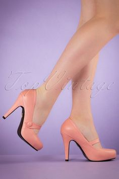 c18f233598b7 40s Dolly Pumps in Pink. Stiletto HeelsMary Jane ...