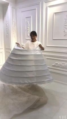 Minimal Wedding Dress, Fancy Wedding Dresses, Princess Wedding Dresses, Bridal Outfits, Bridal Dresses, Stitching Dresses, Fancy Dress Design, Dress Sewing Patterns, African Fashion Dresses