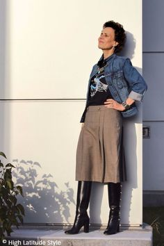 http://highlatitudestyle.com/2017/10/31/how-to-pick-an-office-appropriate-halloween-look MatureStreetStyle #midlifestreetstyle woman in street style look
