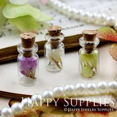 10 Small 18x10mm Clear Glass Fillable Tiny Bottle por happysupplies, $3.55
