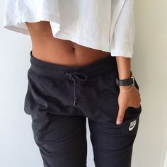 Image via We Heart It #fit #flat #nike #stomach #croptop #joggers
