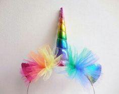 Rainbow Unicorn Headband - Rainbow Unicorn Horn - Rainbow Unicorn Costume by Graciosa on Etsy (null) Rainbow Unicorn Party, Unicorn Birthday Parties, Unicorn Horn Headband, Unicorn Horns, Diy And Crafts, Crafts For Kids, Do It Yourself Baby, Unicorn Costume, Unicorn Crafts