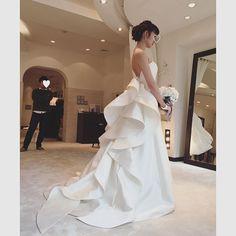 Instagram Muslim Wedding Dresses, Elegant Wedding Dress, White Wedding Dresses, Bridal Dresses, Bad Dresses, How To Make Skirt, Couture Wedding Gowns, Bridal Photography, Luxury Wedding