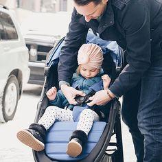 Per chi ama la vita all'area aperta Baby Jogger ha creato City Mini GT2, il passeggino a 3 ruote per vivere no limits. Il confort del bambino è garantito dall'ampia seduta reclinabile, multi-posizione, utilizzabile sin dalla nascita, e dalla pedanina poggiapiedi rialzabile.