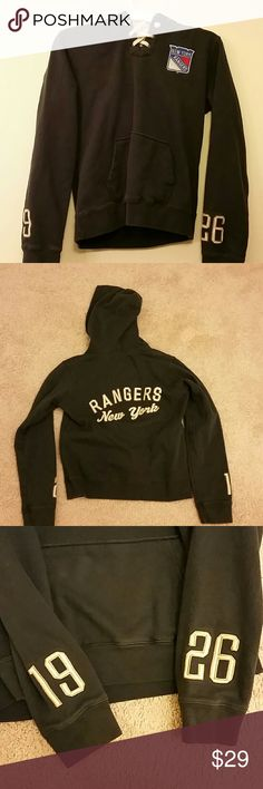 SALE♡♡NY Rangers navy Old Time Hoodie size M EUC Hoodie worn once, perfect condition. Hoodie has a hood and a kangaroo pocket. Perfect holiday present! NHL Tops Sweatshirts & Hoodies