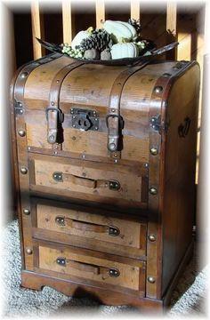I LOVE PARIS VTG Inspired Suitcase Leather /& Metal Look Corners Wastebasket NEW