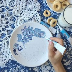 Taken by anastasia_ropalo on Thursday March 2015 Dot Art Painting, Mandala Painting, Pottery Painting, Ceramic Painting, Ceramic Art, Mandala Dots, Mandala Design, Painted Plates, Hand Painted