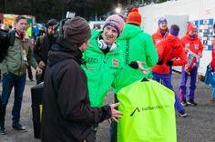 Ankunft Skispringer Severin Freund zum FIS Weltcup Skispringen in Willingen / Hochsauerland | Fotograf Kassel http://blog.ks-fotografie.net/pressefotografie/skispringen-fis-weltcup-willingen-2016-fotojournalist/