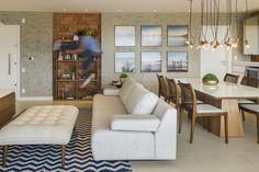 Apartamento de praia em tons neutros (Foto: Alexandre Zelinski / divulgaçã) Studio Alencar Arquitetura e interiores