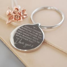 Mum / Mother Wedding Keyring. Lovely thank you gift for mother of the bride or mother of the groom on their wedding day. Wedding gift inspiration.
