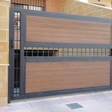 Image result for portones metalicos minimalistas #Casasminimalistas Steel Gate Design, Front Gate Design, Main Gate Design, House Gate Design, Door Gate Design, Fence Design, Metal Gates, Wooden Gates, Front Gates