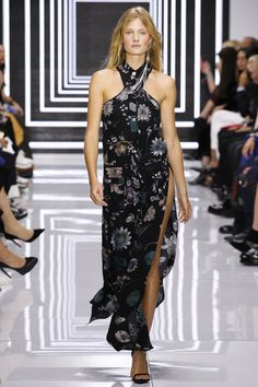 Versus Versace Spring 2016 Ready-to-Wear Collection - Constance Jablonski