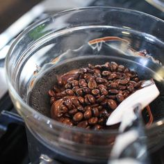Dark chocolate covered coffee beans are expensive in the store. These might not turn out as pretty! But super fast and cheaper diy chocolate covered coffee beans Coffee Type, Iced Coffee, Coffee Shop, Coffee Gif, Coffee Mugs, Coffee Barista, Coffee Cozy, Drip Coffee, Gourmet