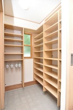 ʚ❤︎ɞ Shoes storage Shoe Room, Shoe Closet, Playroom Storage, Shoe Storage, Small Space Design, Small Spaces, House Entrance, Japanese House, Metal Furniture