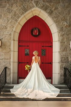 Love this red door to the church!  :: Photo by Sarah Scruggs Photography