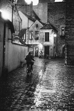 Rue de la Chouette, Dijon, France >>> Love this!