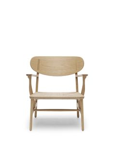 Carl Hansen & Søn - CH22 | Lounge Chair - Designed by Hans J. Wegner - http://www.carlhansen.com