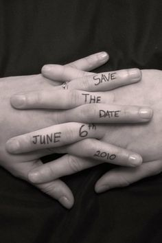 This photography of a 'save the date' is very personal. We love it! #Verlobung #IHochzeit