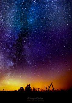 night loneliness by Dariusz Lakomy