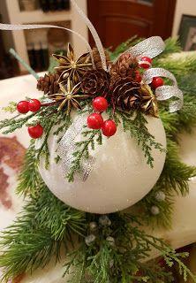 1 Christmas Ball Ornament - Her Crochet Diy Christmas Videos, Christmas Wreaths To Make, Christmas Projects, Diy Christmas Ornaments, Christmas Art, Christmas Holidays, Christmas Decorations, Woodland Christmas, Rustic Christmas