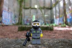 LEGO Collectible Minifigures Series 10 : Paintball Player