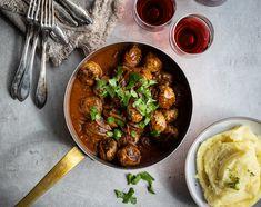 Entrecôte med vitlöksrostade palsternackor och chorizo/citron-smör - Viva vin o mat Chorizo, Curry, Ethnic Recipes, Food, Kalay, Curries, Meals