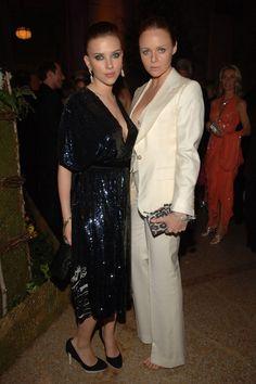 Scarlett Johansson et Stella McCartney au gala du Costume Institute au Metropolitan Museum of Art, 2006 #SHOP-HERS