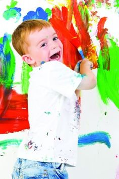 Three Ways to Write Art lesson Plans for Preschool - Art for preschoolers is so important. What's the best way to incorporate teaching art in preschool? These three easy ways to write art lesson plans gives teachers and parents guidance. Preschool Color Activities, Preschool Schedule, Preschool Lesson Plans, Preschool Education, Preschool Art, Art Lesson Plans, Preschool Printables, Art Education, Enrichment Activities