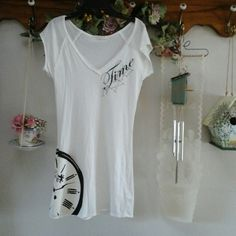 Forever 21 Tee Adorable Forever 21 Tee 100% Cotton Forever 21 Tops Tees - Short Sleeve