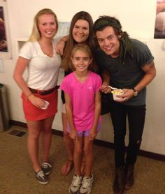 Harry Styles!!! Now that is cute!!!! Harry with fans!!!!!!! :) Wish that could be me!!!!!