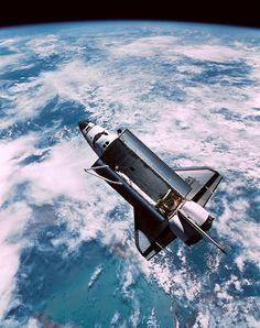 El Discovery durante la misión STS-51 (NASA).