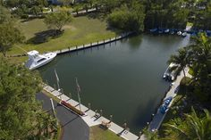 10 CANNON POINT, KEY LARGO, FL - Luxury Pulse Real Estate - United States - For sale on LuxuryPulse. Key Largo Fl, Boat Slip, Sport Fishing, Pent House, South Beach, Luxury Real Estate, Hotels And Resorts, Cannon, United States