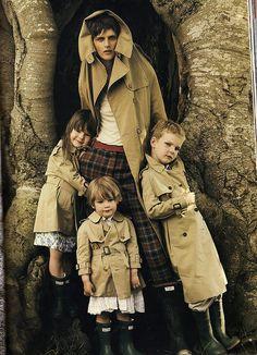 Stella Tennant with kids.