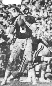 Archie Manning - 1978 From his 1978 NFL season when he passed for 3416 yards, 17 touchdowns and had a 61.8 percentage completion. Archie was also named to his first Pro Bowl. Nfl Football Players, Football Memes, School Football, Manning Nfl, Remember The Titans, Nfl History, Nfl Season, Football Pictures, Tough Guy