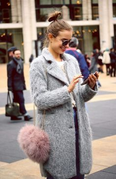 mykonos ticker: 25+1 Street Style προτάσεις, Pale Ροζ με Γκρι!!