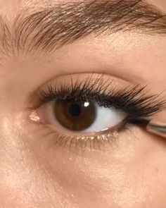 Eye Makeup Steps, Makeup Eye Looks, No Eyeliner Makeup, Smokey Eye Makeup, Skin Makeup, Makeup Art, Eyeliner Ideas, Eyeliner Styles, Pink Eyeliner