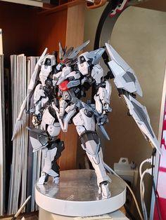 Arte Gundam, Rp Ideas, Gundam Custom Build, Robot Concept Art, Gundam Model, Plastic Models, Anime, Geek Stuff, Design